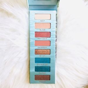 NEW Urban Decay Beached Eyeshadow Palette